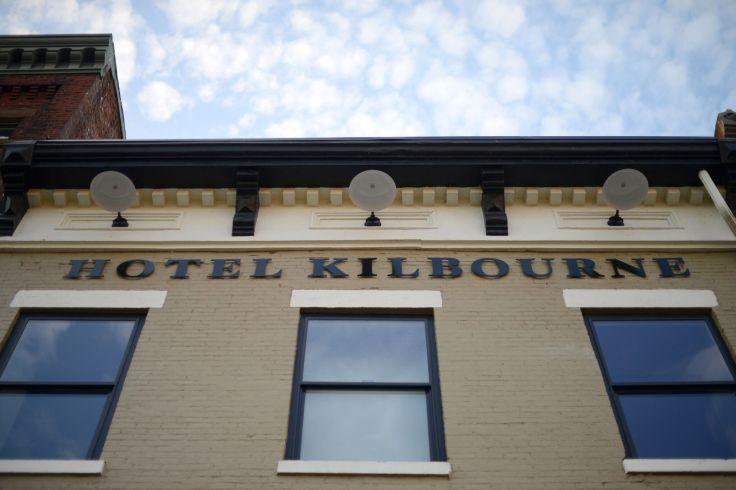 front-of-hotel-kilbourne